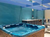 Rooftop Jacuzzi – BreakFree Grand Pacific